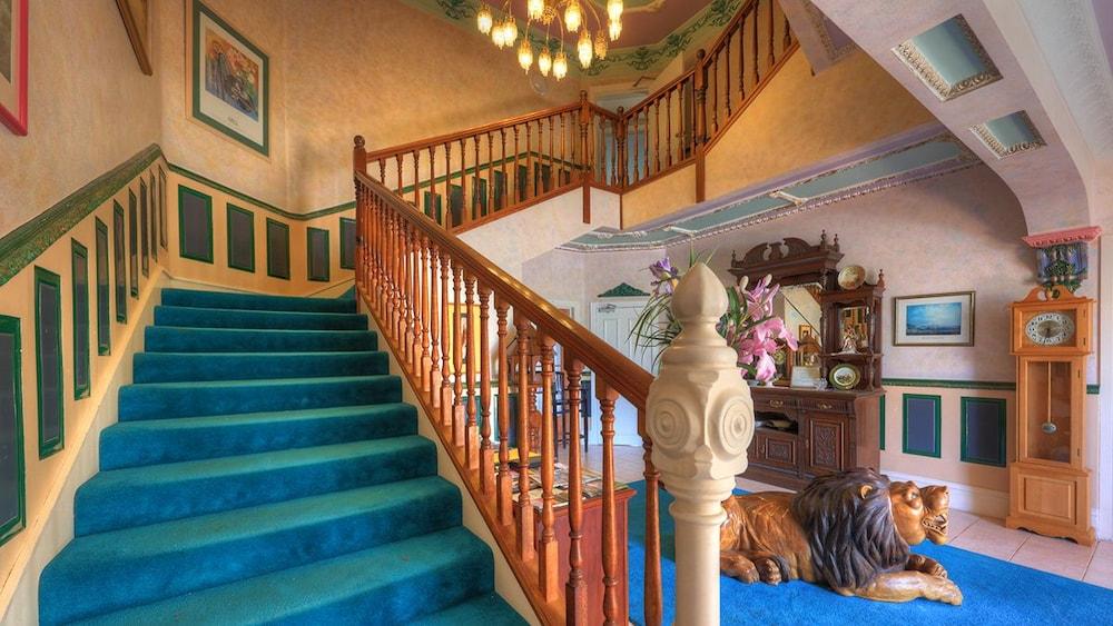 햇처스 리치먼드 매너(Hatchers Richmond Manor) Hotel Image 101 - Bathroom