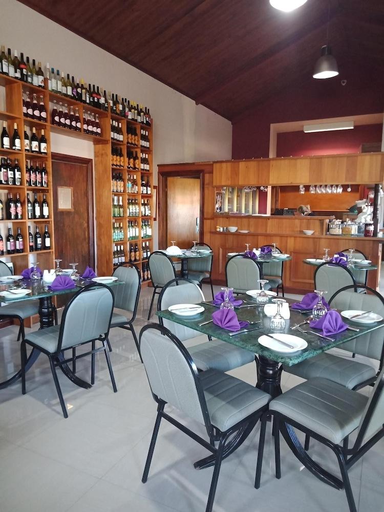 햇처스 리치먼드 매너(Hatchers Richmond Manor) Hotel Image 121 - Food and Drink