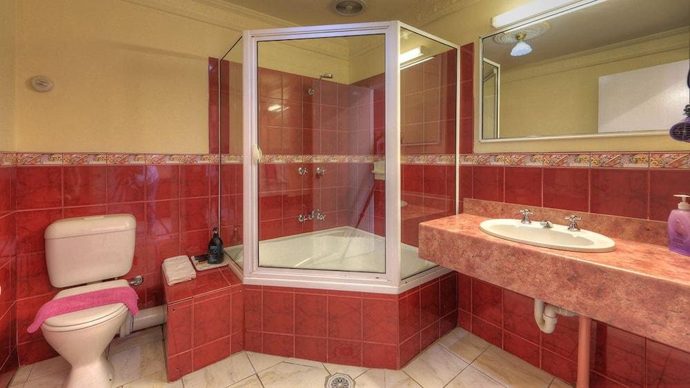 햇처스 리치먼드 매너(Hatchers Richmond Manor) Hotel Image 45 - Guestroom