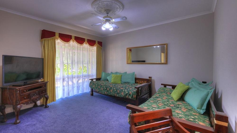 햇처스 리치먼드 매너(Hatchers Richmond Manor) Hotel Image 50 - Guestroom