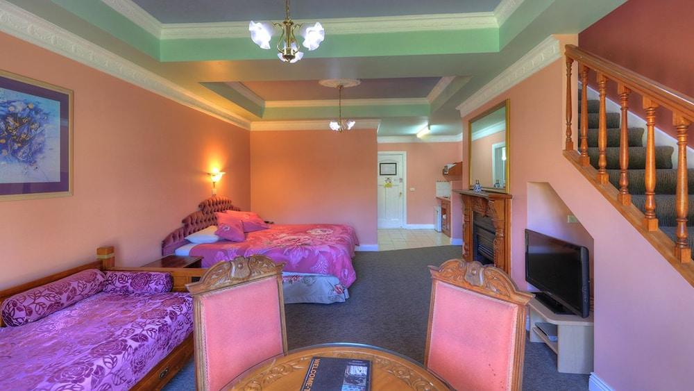 햇처스 리치먼드 매너(Hatchers Richmond Manor) Hotel Image 71 - Guestroom