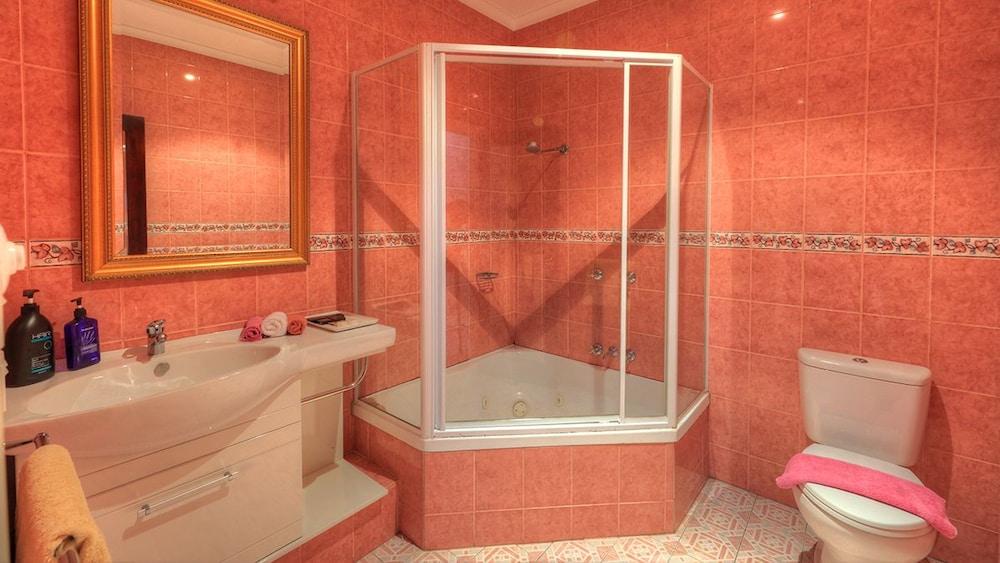 햇처스 리치먼드 매너(Hatchers Richmond Manor) Hotel Image 77 - Guestroom