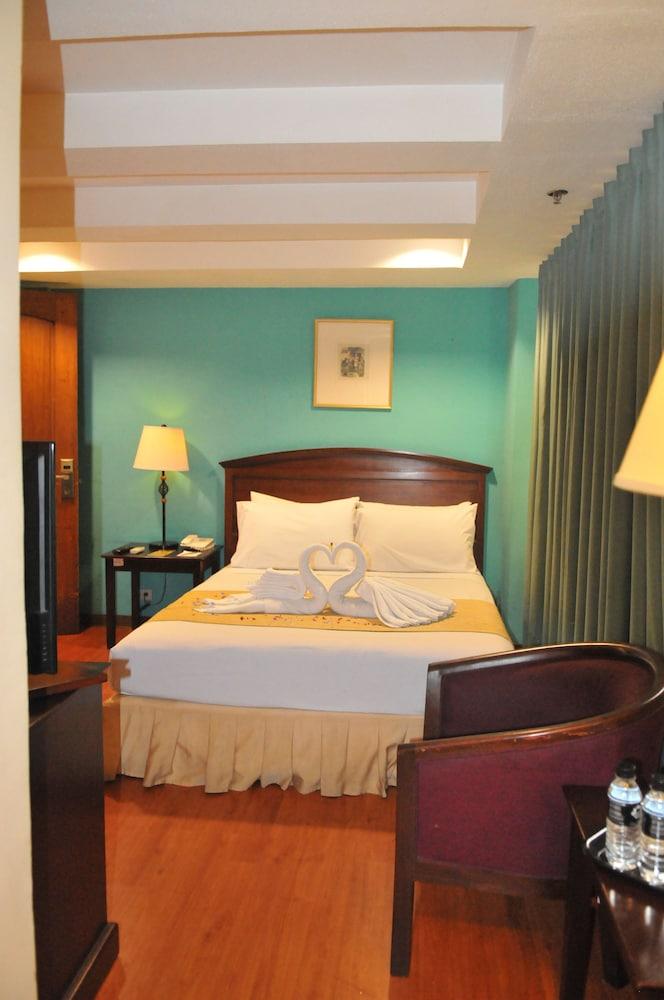 호텔 스토센버그(Hotel Stotsenberg) Hotel Image 6 - Guestroom
