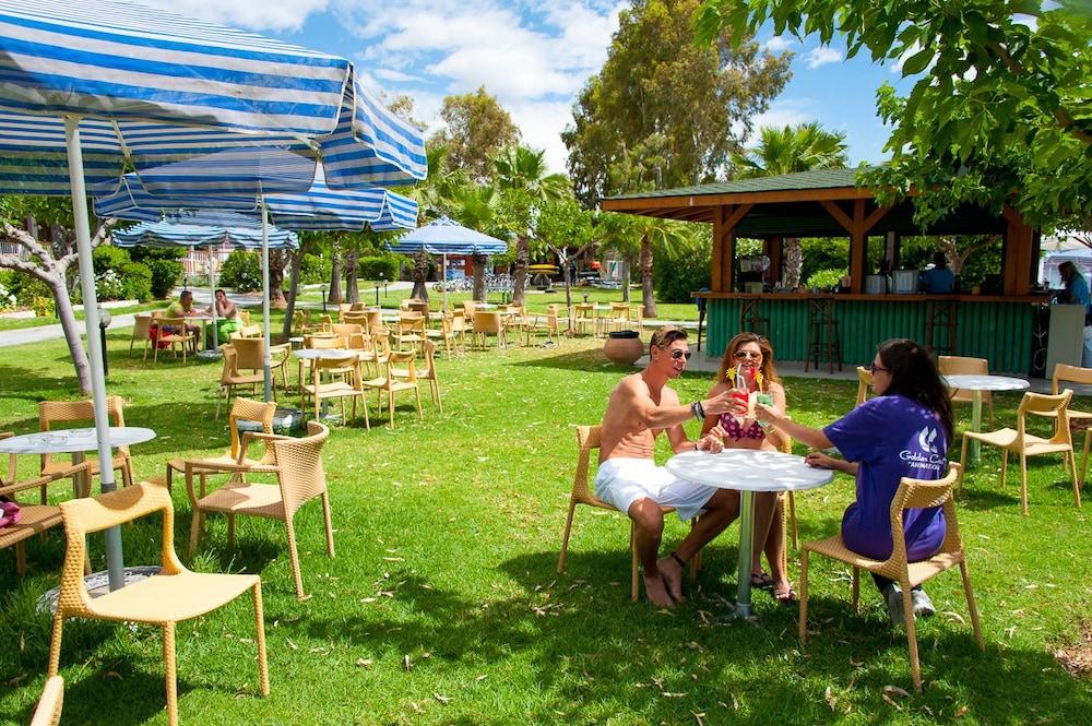 골든 코스트 호텔 & 방갈로 - 올 인클루시브(Golden Coast Hotel & Bungalows - All-Inclusive) Hotel Image 71 - Outdoor Dining