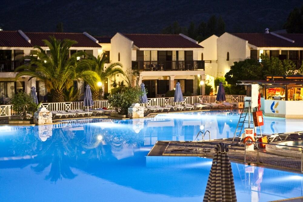 골든 코스트 호텔 & 방갈로 - 올 인클루시브(Golden Coast Hotel & Bungalows - All-Inclusive) Hotel Image 27 - Outdoor Pool