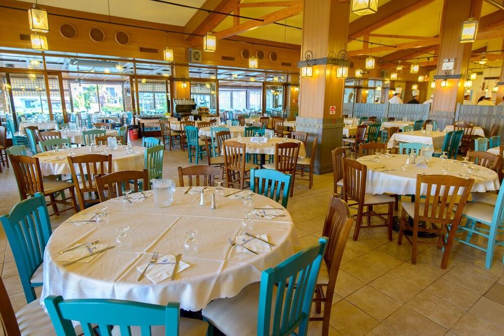 골든 코스트 호텔 & 방갈로 - 올 인클루시브(Golden Coast Hotel & Bungalows - All-Inclusive) Hotel Image 54 - Restaurant