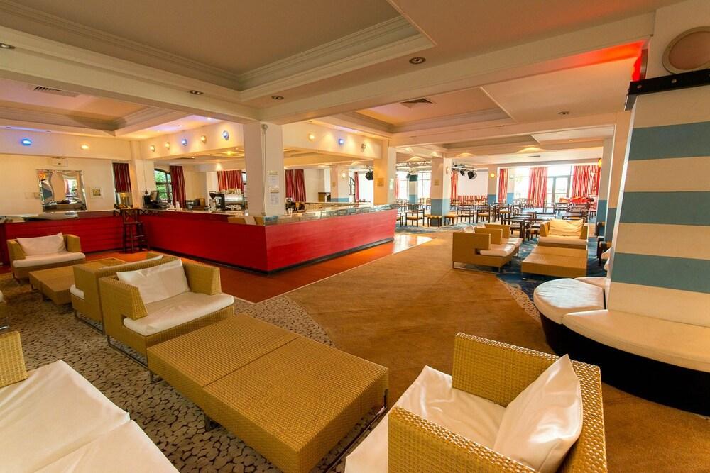 골든 코스트 호텔 & 방갈로 - 올 인클루시브(Golden Coast Hotel & Bungalows - All-Inclusive) Hotel Image 56 - Hotel Bar