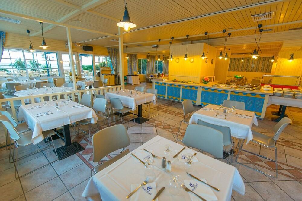 골든 코스트 호텔 & 방갈로 - 올 인클루시브(Golden Coast Hotel & Bungalows - All-Inclusive) Hotel Image 53 - Restaurant