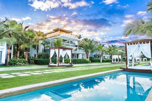 . Sublime Samana Hotel & Residences