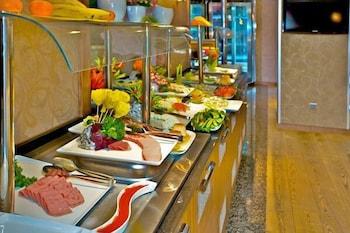 호텔 모멘토 - 스페셜 클래스(Hotel Momento - Special Class) Hotel Image 22 - Buffet