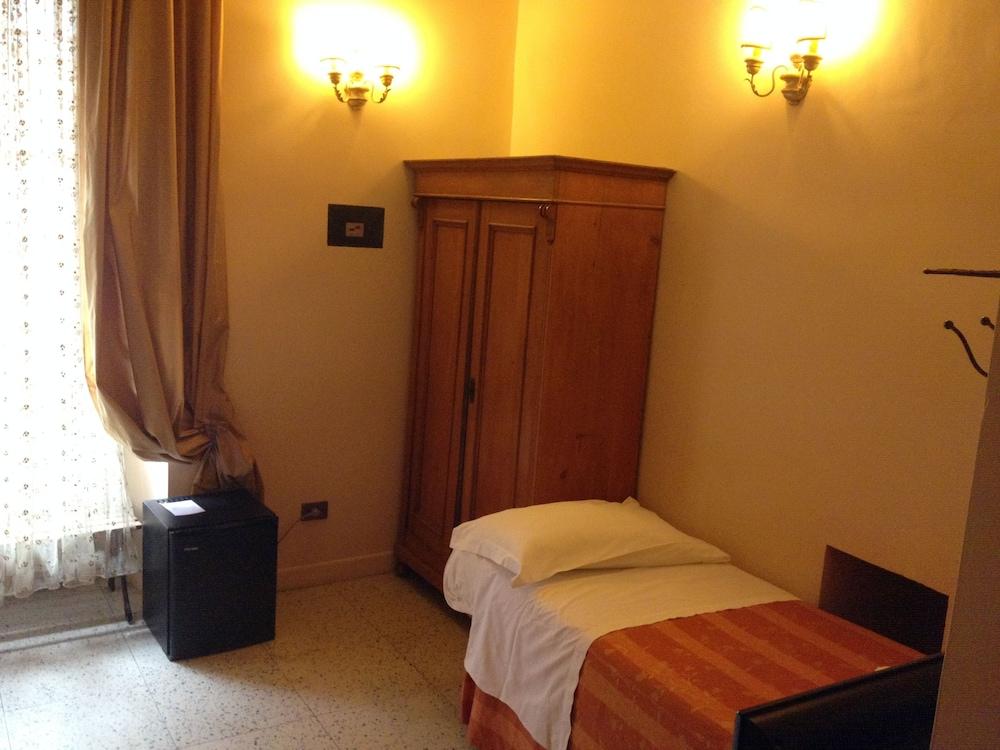 라 메종 드 마르타(La Maison de Marta) Hotel Image 16 - Guestroom
