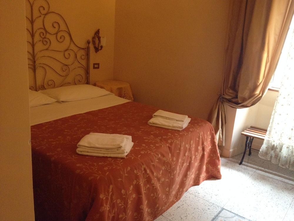라 메종 드 마르타(La Maison de Marta) Hotel Image 15 - Guestroom