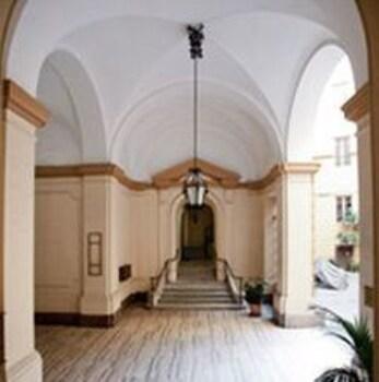 라 메종 드 마르타(La Maison de Marta) Hotel Image 29 - Hotel Interior