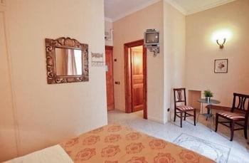 라 메종 드 마르타(La Maison de Marta) Hotel Image 11 - Guestroom