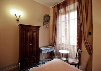 라 메종 드 마르타(La Maison de Marta) Hotel Image 4 - Guestroom