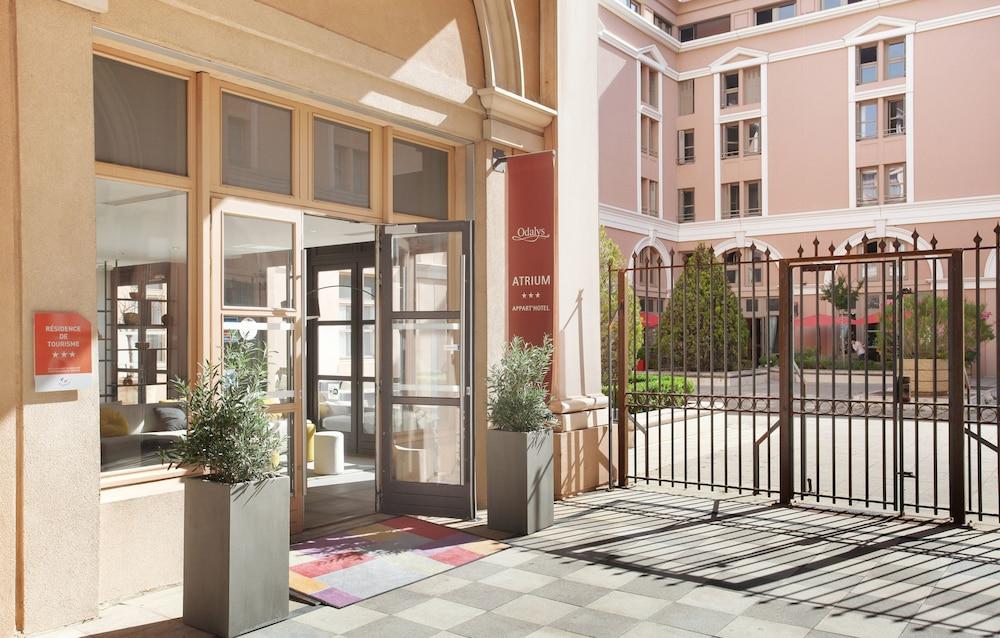 오달리스 시티 엑상프로방스 라트리움(Odalys City Aix en Provence L'Atrium) Hotel Image 27 - Hotel Entrance