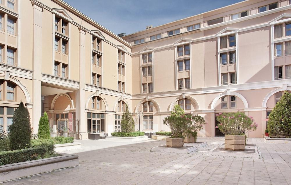 오달리스 시티 엑상프로방스 라트리움(Odalys City Aix en Provence L'Atrium) Hotel Image 30 - Exterior