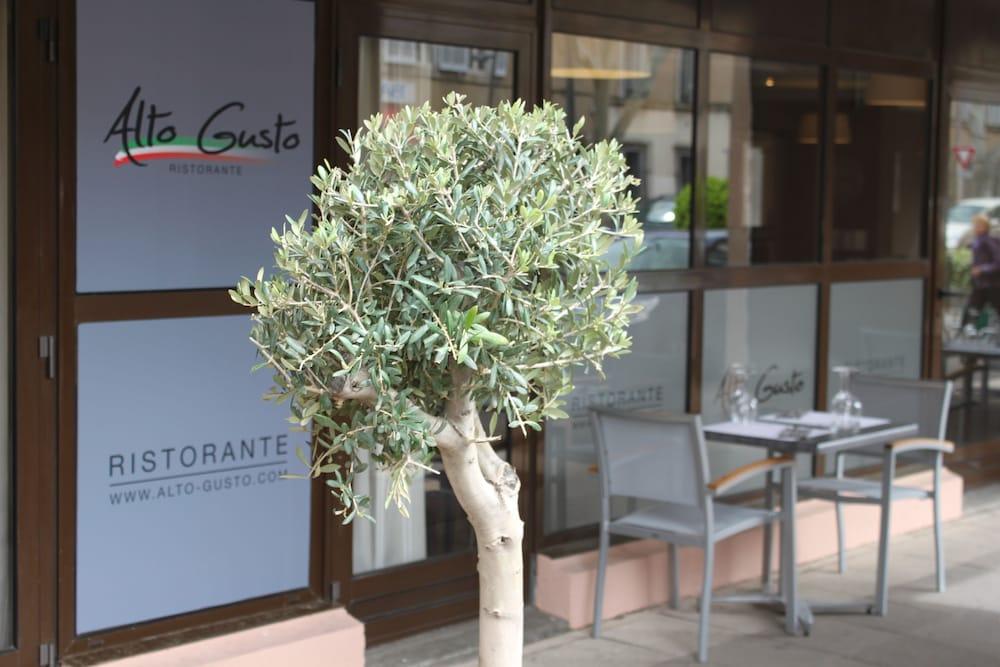 오달리스 시티 엑상프로방스 라트리움(Odalys City Aix en Provence L'Atrium) Hotel Image 28 - Terrace/Patio