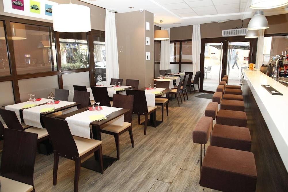 오달리스 시티 엑상프로방스 라트리움(Odalys City Aix en Provence L'Atrium) Hotel Image 18 - Breakfast Area