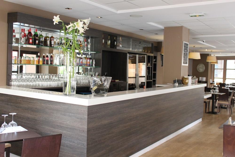 오달리스 시티 엑상프로방스 라트리움(Odalys City Aix en Provence L'Atrium) Hotel Image 22 - Hotel Bar