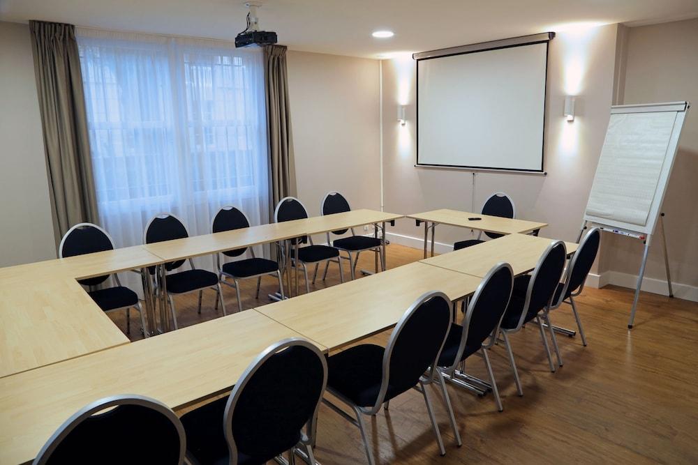 오달리스 시티 엑상프로방스 라트리움(Odalys City Aix en Provence L'Atrium) Hotel Image 25 - Meeting Facility