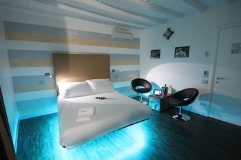 Standard Double Room (iMove)