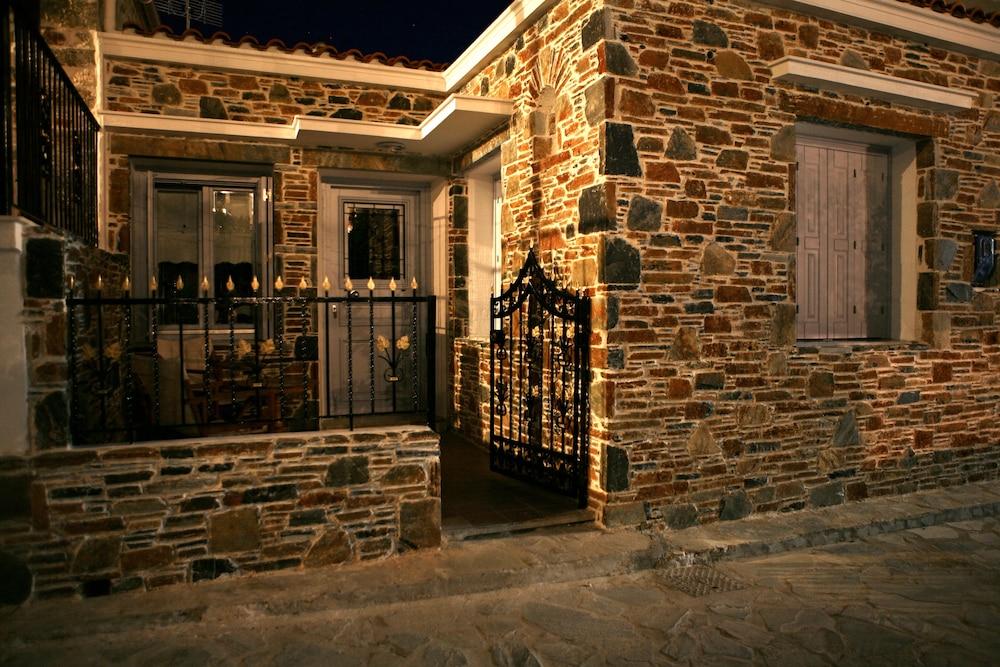 애게안 다이아몬드 부티크 빌라(Aegean Diamonds Boutique Villas) Hotel Image 23 - Hotel Front