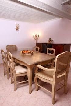 애게안 다이아몬드 부티크 빌라(Aegean Diamonds Boutique Villas) Hotel Image 10 - In-Room Dining