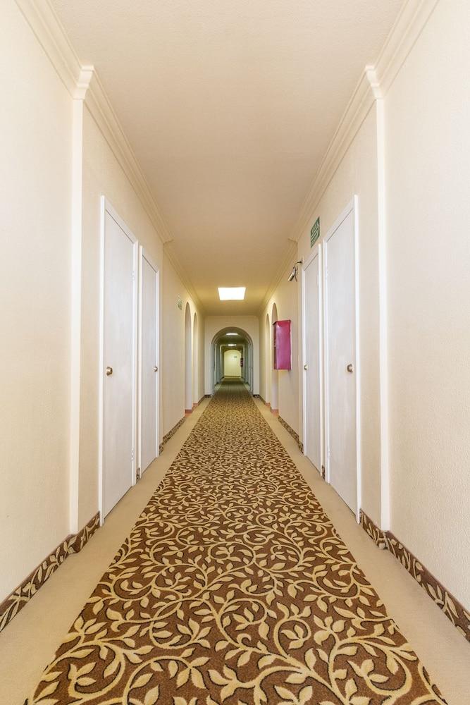 베스트 웨스턴 라오스 마르 호텔 & 스위트(Best Western Laos Mar Hotel & Suites) Hotel Image 43 - Hallway