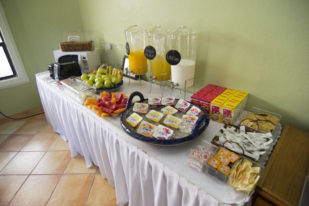 베스트 웨스턴 라오스 마르 호텔 & 스위트(Best Western Laos Mar Hotel & Suites) Hotel Image 28 - Breakfast Area