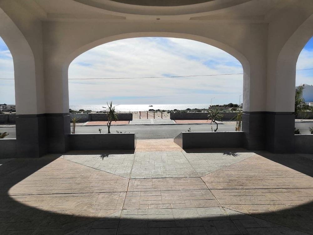 베스트 웨스턴 라오스 마르 호텔 & 스위트(Best Western Laos Mar Hotel & Suites) Hotel Image 49 - Hotel Entrance