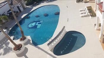 베스트 웨스턴 라오스 마르 호텔 & 스위트(Best Western Laos Mar Hotel & Suites) Hotel Image 20 - Outdoor Pool