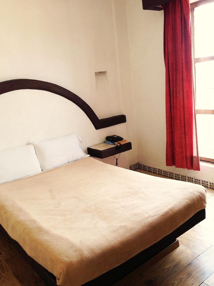 호텔 플라자 모렐리아(Hotel Plaza Morelia) Hotel Image 6 - Guestroom