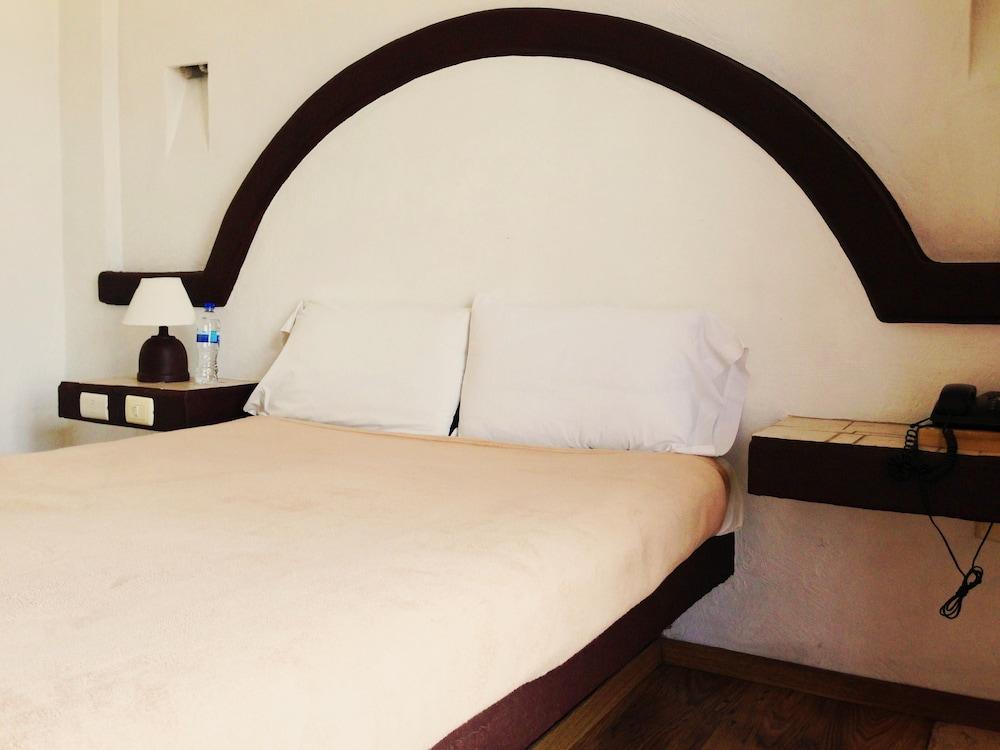 호텔 플라자 모렐리아(Hotel Plaza Morelia) Hotel Image 5 - Guestroom