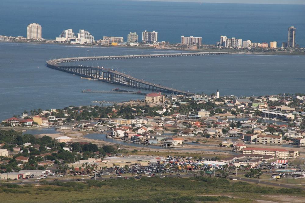 포트 이슬라 인(Port Isla Inn) Hotel Image 27 - Aerial View