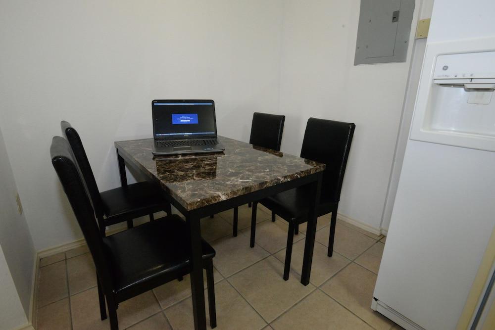 포트 이슬라 인(Port Isla Inn) Hotel Image 13 - Living Room
