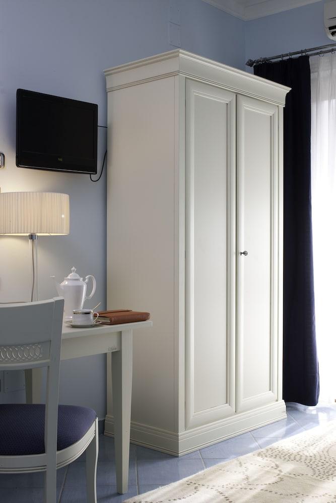 호텔 파르코 데이 프린시피(Hotel Parco dei Principi) Hotel Image 5 - Guestroom