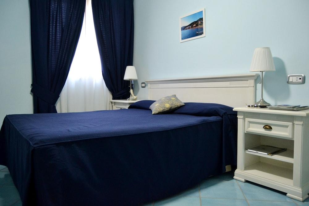 호텔 파르코 데이 프린시피(Hotel Parco dei Principi) Hotel Image 9 - Guestroom View
