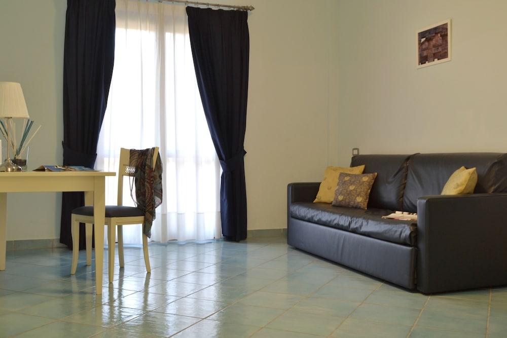 호텔 파르코 데이 프린시피(Hotel Parco dei Principi) Hotel Image 6 - Living Area