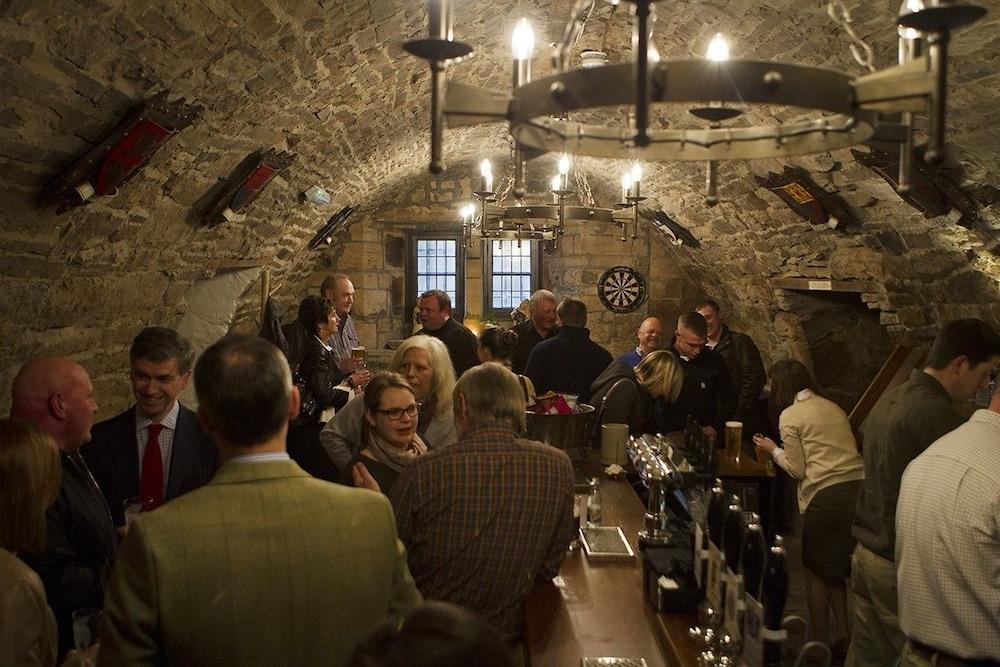 로어드 크루 암스(Lord Crewe Arms) Hotel Image 29 - Hotel Bar