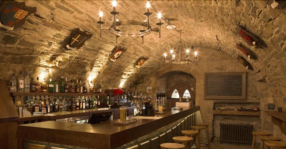 로어드 크루 암스(Lord Crewe Arms) Hotel Image 30 - Hotel Bar