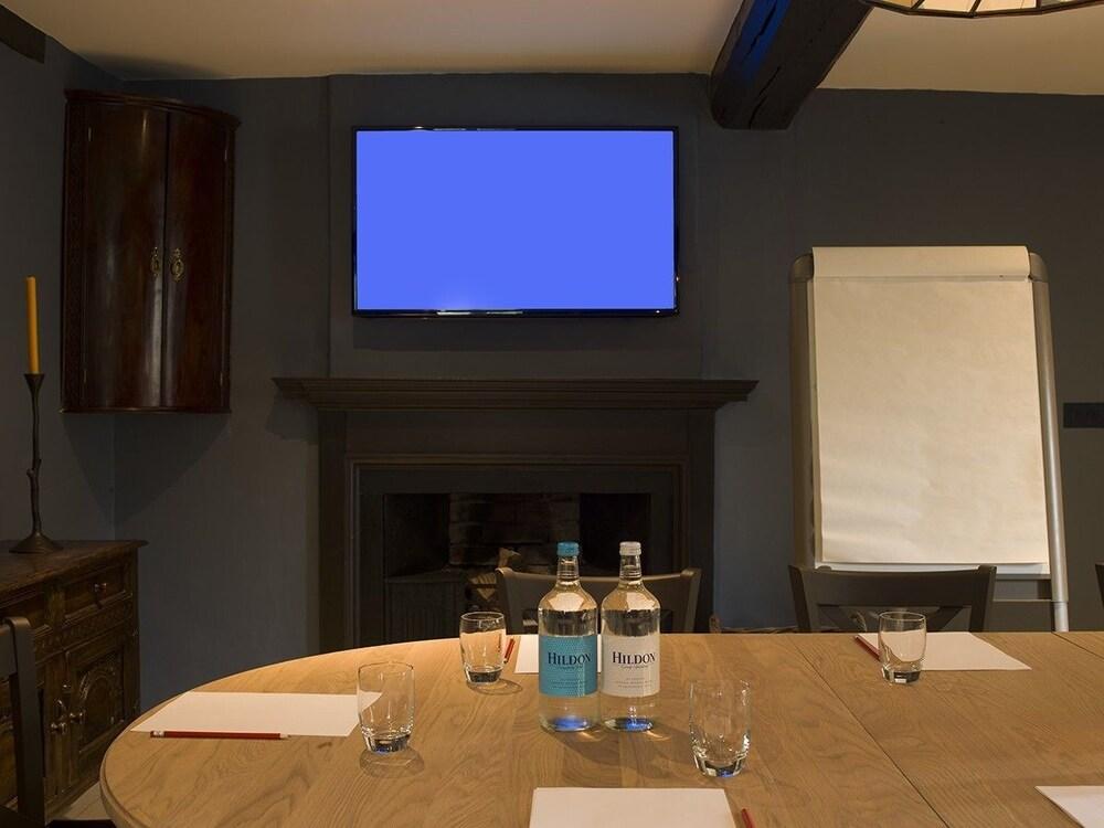 로어드 크루 암스(Lord Crewe Arms) Hotel Image 36 - Meeting Facility