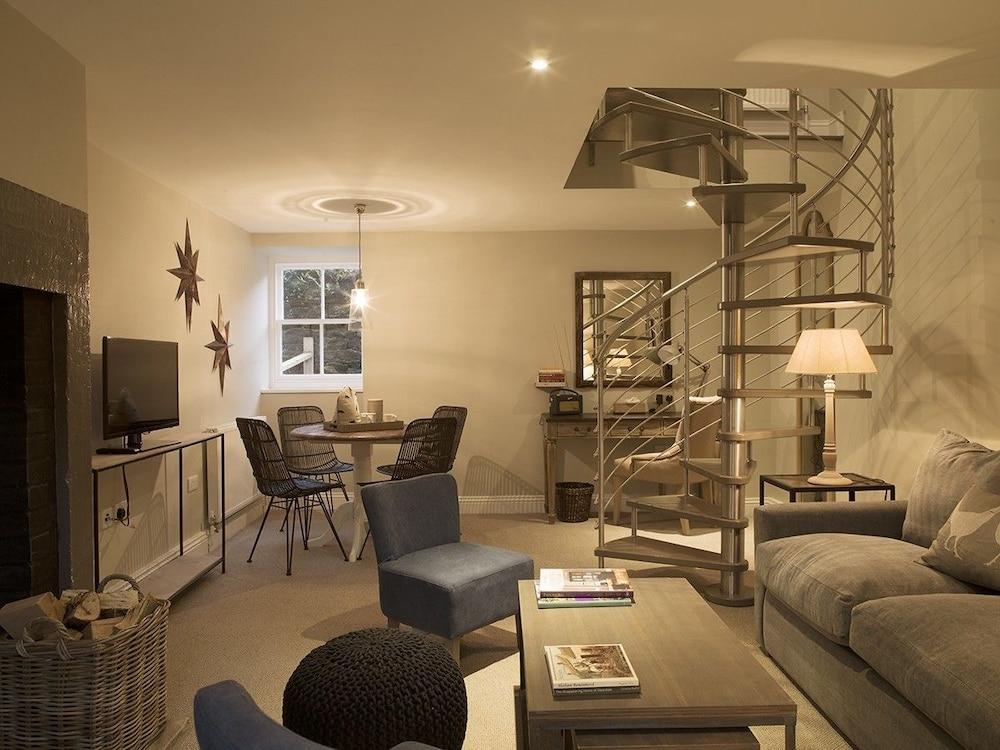로어드 크루 암스(Lord Crewe Arms) Hotel Image 14 - Living Area