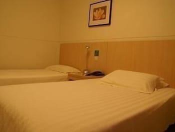 진쟝 인 주하이 지다 지우조우 애비뉴(Jinjiang Inn Zhuhai Jida Jiuzhou Avenue) Hotel Image 5 - Guestroom