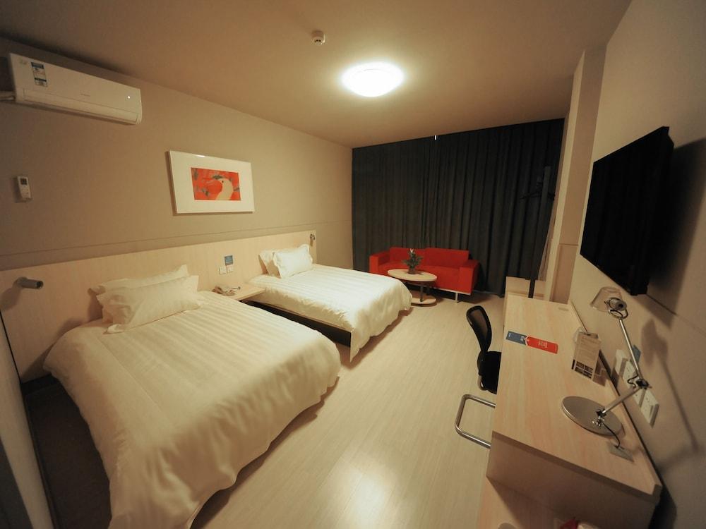 진쟝 인 루오양 트레인 스테이션(Jinjiang Inn Luoyang Train Station) Hotel Image 4 - Guestroom
