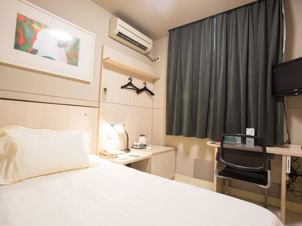 진쟝 인 루오양 트레인 스테이션(Jinjiang Inn Luoyang Train Station) Hotel Image 7 - Guestroom