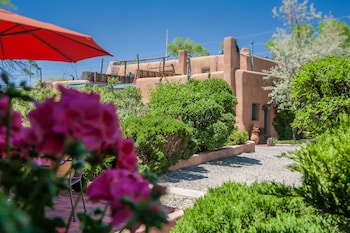 Hotel - Pueblo Bonito Bed and Breakfast Inn