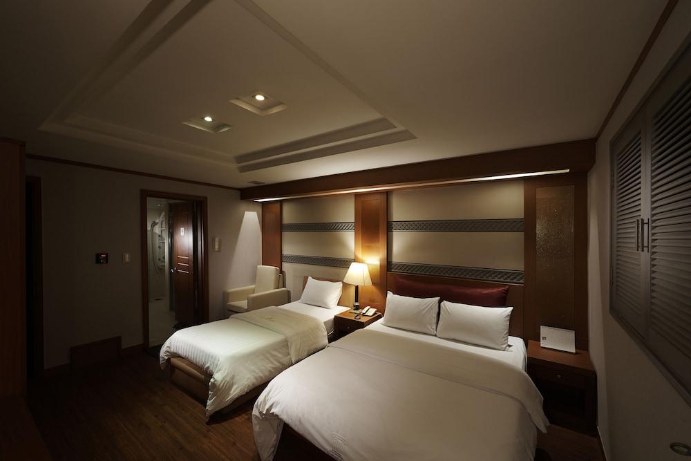 グッドステイ ノブレス ヨクサム ホテル