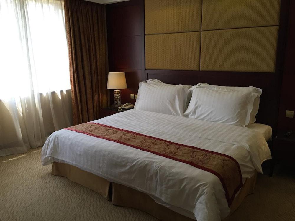 호텔 프레지던스 마카오(Hotel Presidente Macau) Hotel Image 10 - Guestroom