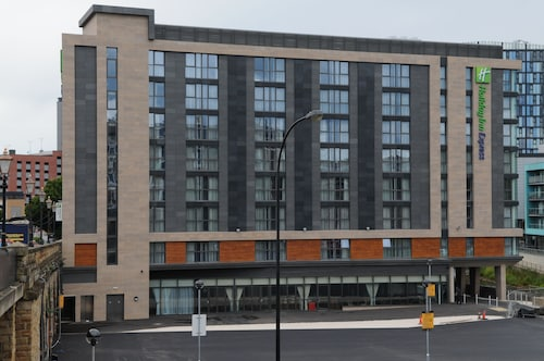 . Holiday Inn Express Sheffield City Centre